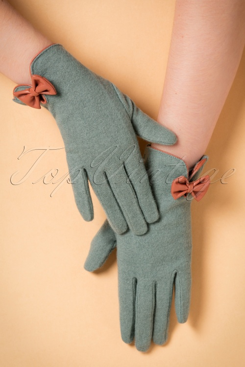 Powder Wool Cordelia Tangerine Gloves 250 30 20540 11142016 008W