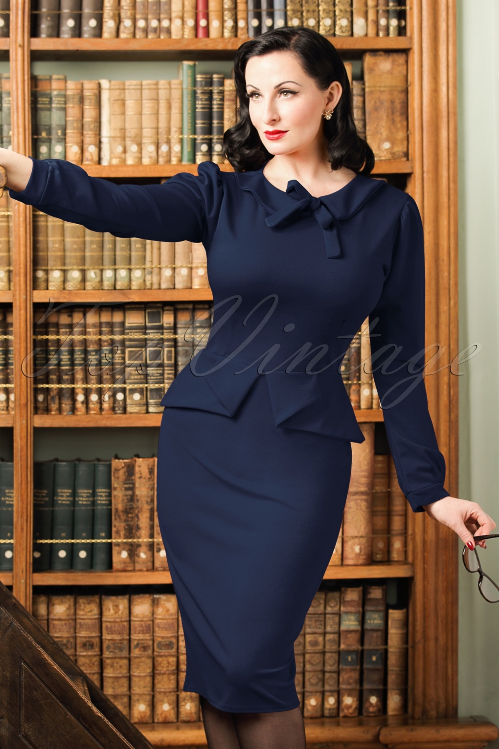 1940s Cocktail, Pin up and Bombshell Dresses Guide TopVintage Exclusive  40s Charlene Pencil Dress in Navy £39.06 AT vintagedancer.com