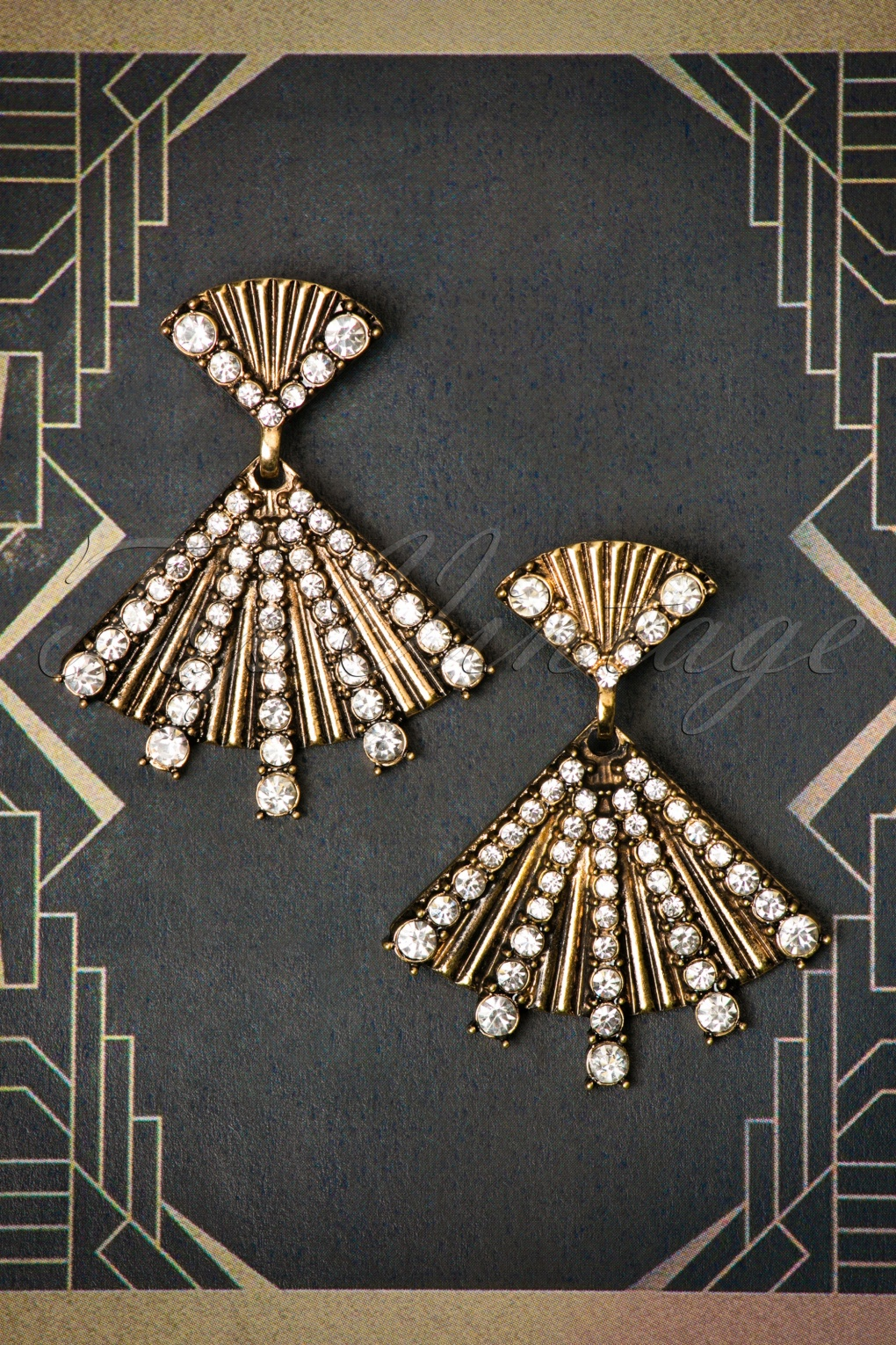 Dressing up in a 1920s Flapper Costume 30s Rosalie Fan Earrings in Antique Gold £12.99 AT vintagedancer.com