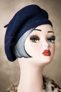 Collectif Clothing CarriePlain Beret 202 31 20324 12052016 002W
