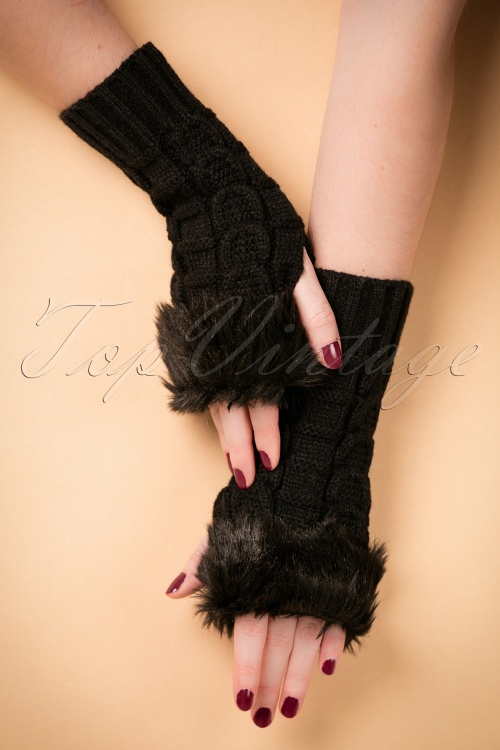 Collectif Clothing Fingerless Faux Fur Gloves 259 10 20318 12072016 014W