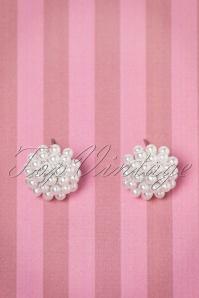 50s Dahlia Delicate Pearl Earstuds