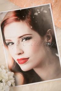 Darling Divine Pearl Flower 330 51 20805 12192016 016W