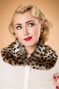 Paula Walks Collectif Clothing 40s Petra Leopard Faux Fur Collar 20330 20161215 0029w