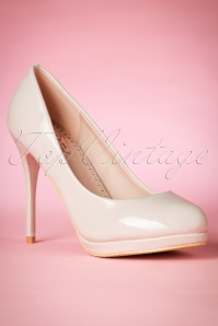 Dancing Days by Banned Manhattan Pumps in Ivory 400 50 20525 20170116 0019w