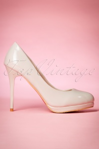 Dancing Days by Banned Manhattan Pumps in Ivory 400 50 20525 20170116 0018w