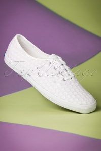 50s Champion Mini Daisy Embroidered Sneakers in White
