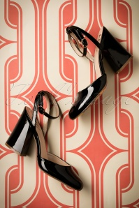 Dancing Days by Banned Unforgettable Black Sandals 400 10 20510 01242017 028W