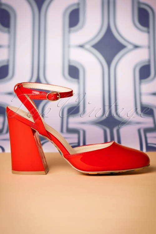 Dancing Days by Banned Unforgettable Lipstick Red Sandals 402 20 20514 01242017 003W