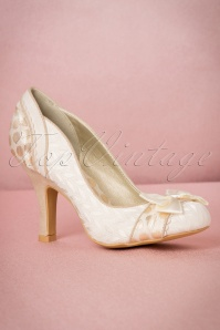 Ruby Shoo Amy Pumps in Cream 400 51 19808 20170207 0003W