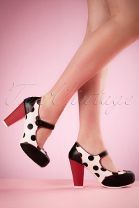 50s Angie Plateau Polkadot Pumps in Black and White