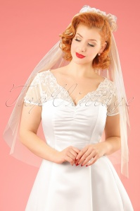 50s Bettie Pearl Bridal Veil in Ivory