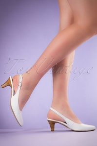 60s Grace Slingback Leather Pumps in White