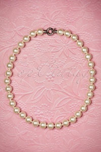 Darling Divine One Row Pearl Necklace 300 51 20815 02212017 003W