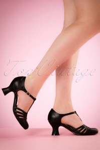 Bettie Page Shoes 50s Lucy T-Strap Pumps in Black
