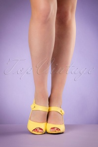 Bettie Page Shoes Shelly Yellow Pumps 402 80 19964 02232017 007W
