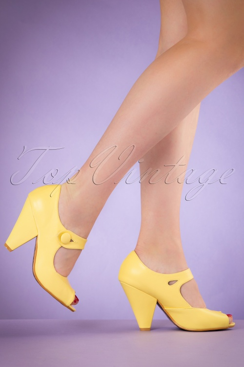 Bettie Page Shoes Shelly Yellow Pumps 402 80 19964 02232017 002W