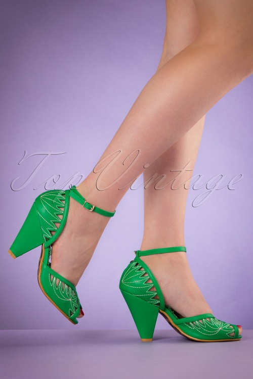 Bettie Page Shoes Willow Green Pumps 402 40 19965 02232017 011W
