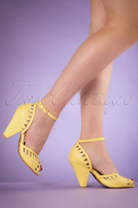 50s Willow Mary Jane Pumps in Yellow