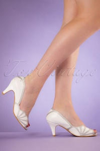 40s Heather Peeptoe Pumps in White