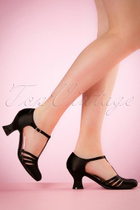 Bettie Page Shoes Lucille T-Strap Satin Pumps Années 50 en Noir