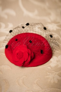 Dancing Days by Banned Mailyn Fascinator red 201 20 21120 03062017 010W