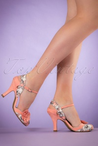 50s Heidi Floral Pumps in Peach