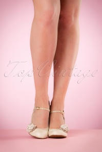 Ruby Shoo Yasmin Pumps in Cream 402 51 19814 model 03082017 006W