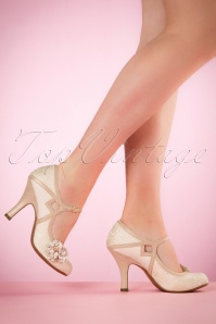 Ruby Shoo Yasmin Pumps in Cream 402 51 19814 model 03082017 004W