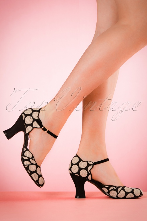 Ruby Shoo Annabel Pumps with Spots 402 14 19820 model 03082017 004W