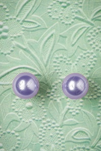 50s Dainty Pearl Earrings in Lilac