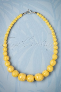 TopVintage Exclusive ~ 20s Sunny Carved Pearl Necklace in Pale Yellow