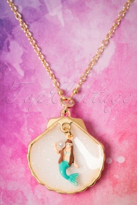 50s Little Mermaid In Her Shell Necklace Gold Plated