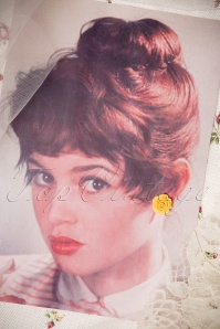 Collectif Clothing 50s English Yellow Rose Earstuds 330 80 21566 007W