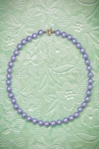50s Dainty Pearl Necklace in Lilac