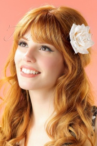 Lady Lucks Botique White Rose Hairflower 200 50 21285 04252017 modelW