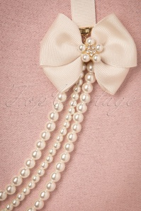 LoveRocks Long Pearls and Bow Necklace 300 51 21723 20170502 0010w