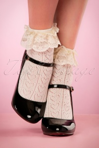 50s Cute Ruffle Lace Bobby Socks in Ivory