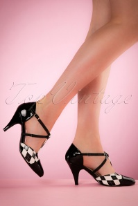 50s Fly Me To The Moon Pumps in Black