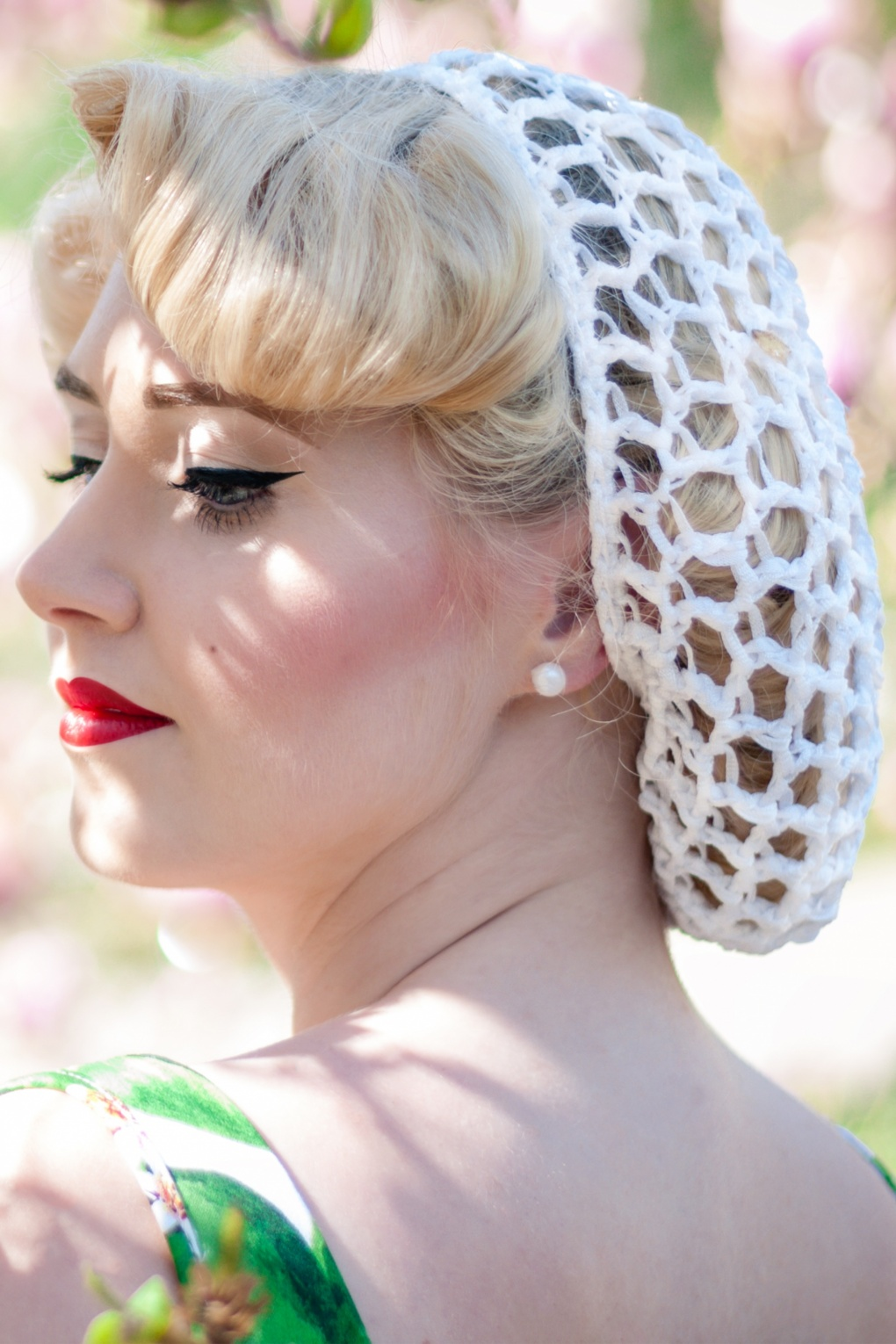 1940s Vintage Hair Accessories – 4 Authentic Styles 40s Lily Hair Snood in White £8.49 AT vintagedancer.com