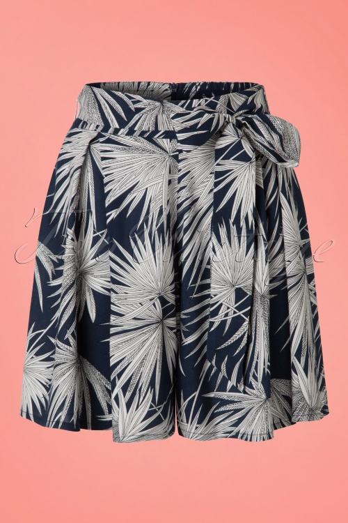 Collectif Clothing50s Narumi Palm Print Shorts in Navy