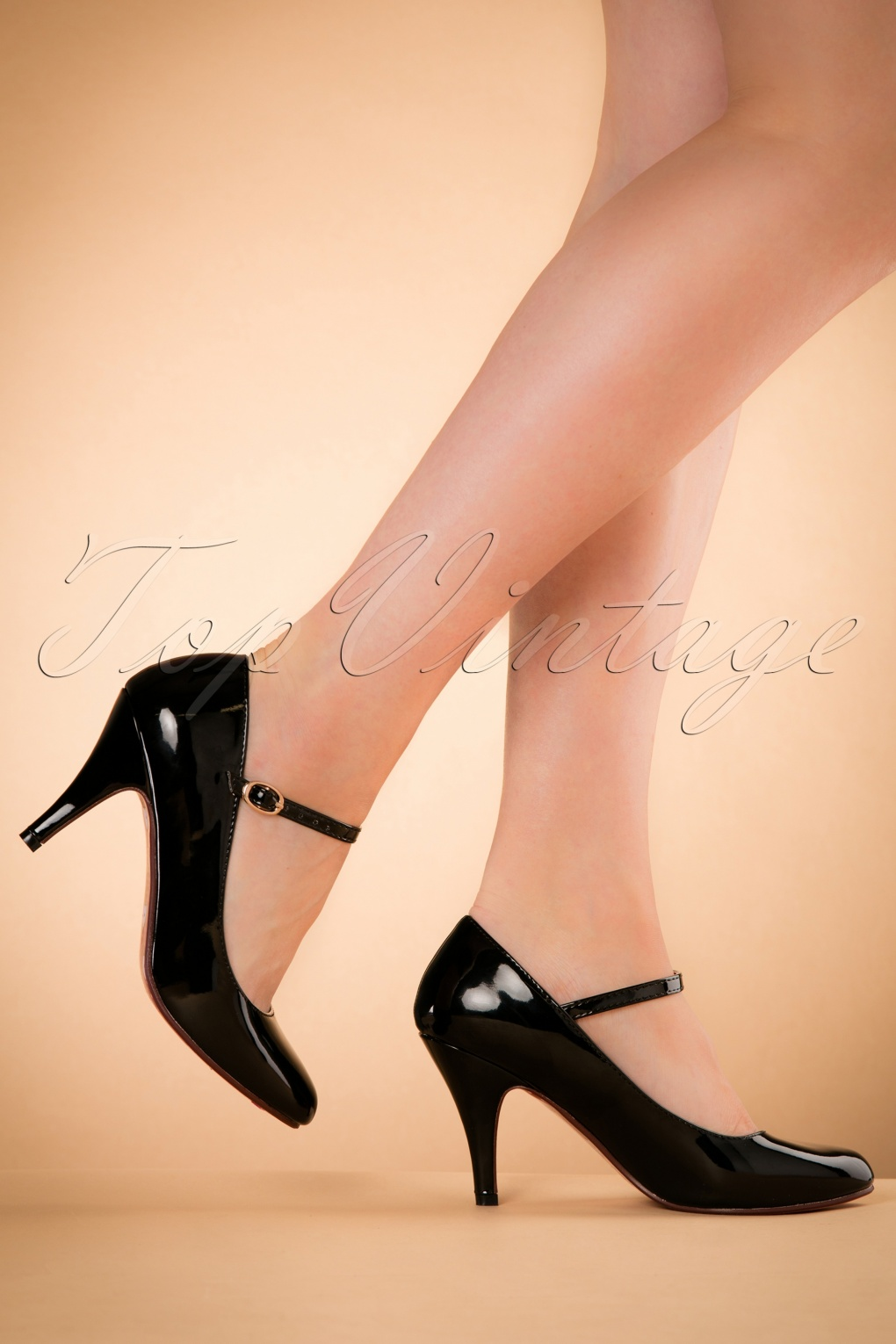1960s Style Shoes 60s Jean Jeanie Lacquer Pumps in Black £49.62 AT vintagedancer.com