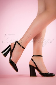 70s Unforgettable Lacquer Pumps in Black