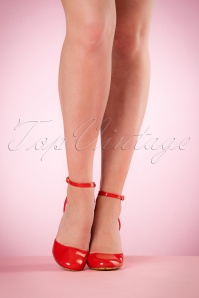 Dancing Days by Banned Unforgettable Lipstick Red Sandals 402 20 20514 model 03082017 012W