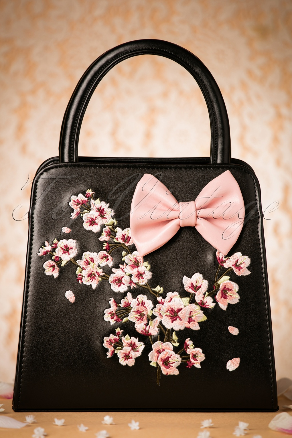 Retro Handbags, Purses, Wallets, Bags 50s Carla Blossom Bow Handbag in Black and Pink £39.54 AT vintagedancer.com