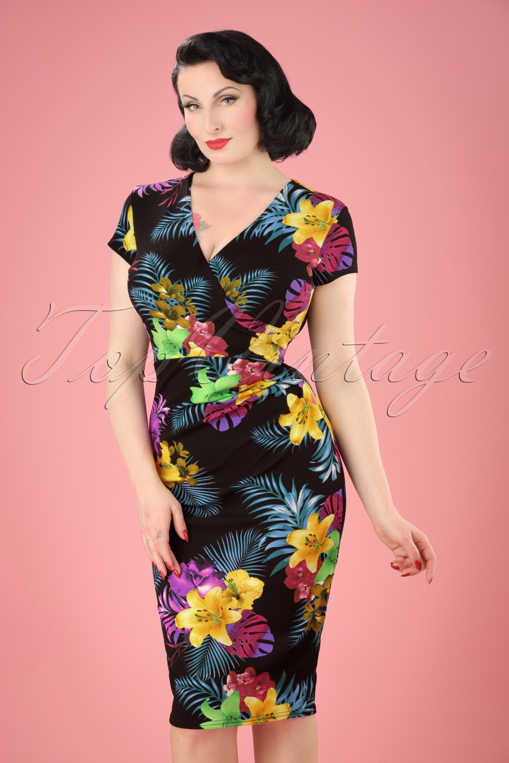 1940s Pinup Dresses for Sale 50s Madeline Floral Pencil Dress in Black £31.82 AT vintagedancer.com