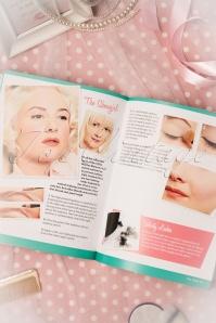 Lauren Rennels Vintage Makeup book 530 99 10571 05242017 012W
