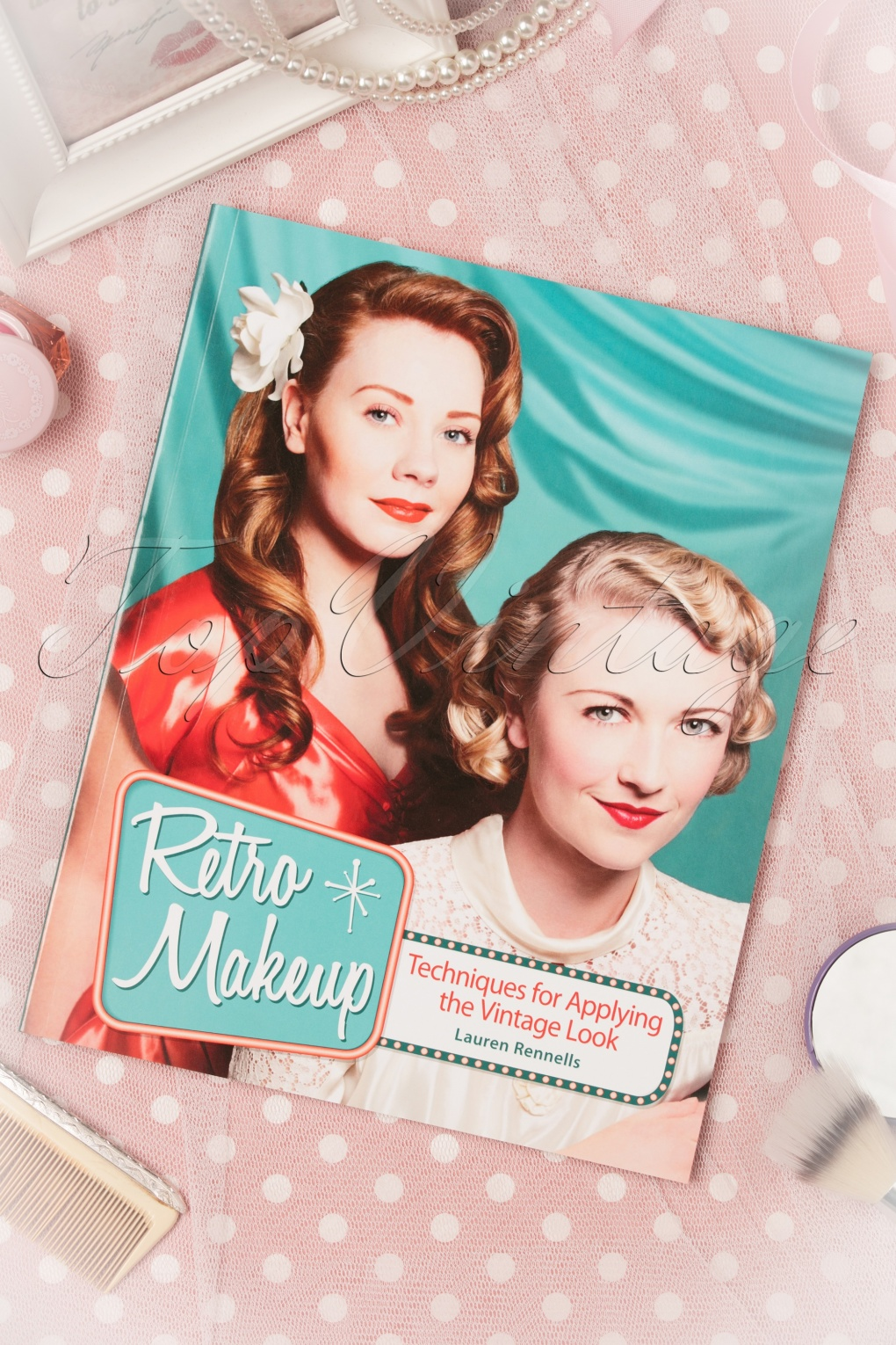1950s Fashion Books | 50s Fashion History Research Retro Makeup Techniques for Applying the Vintage Look £20.09 AT vintagedancer.com