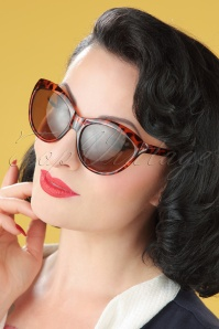 50s So Retro Big Cat Sunglasses in Tortoise