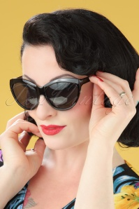 50s So Retro Big Cat Sunglasses in Black